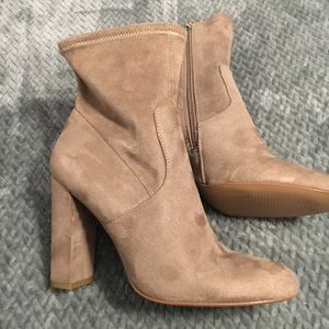 Steve Madden boots new without tags